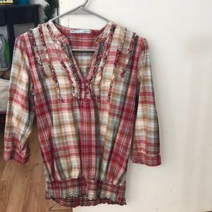 3/4 sleeve multi-colored blouse.